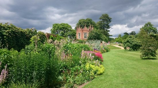 melford-hall-and-gardens.jpg