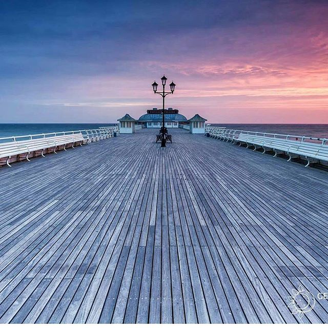 Love this shot of Cromer Pier 😍Credit - @syxaxisphoto