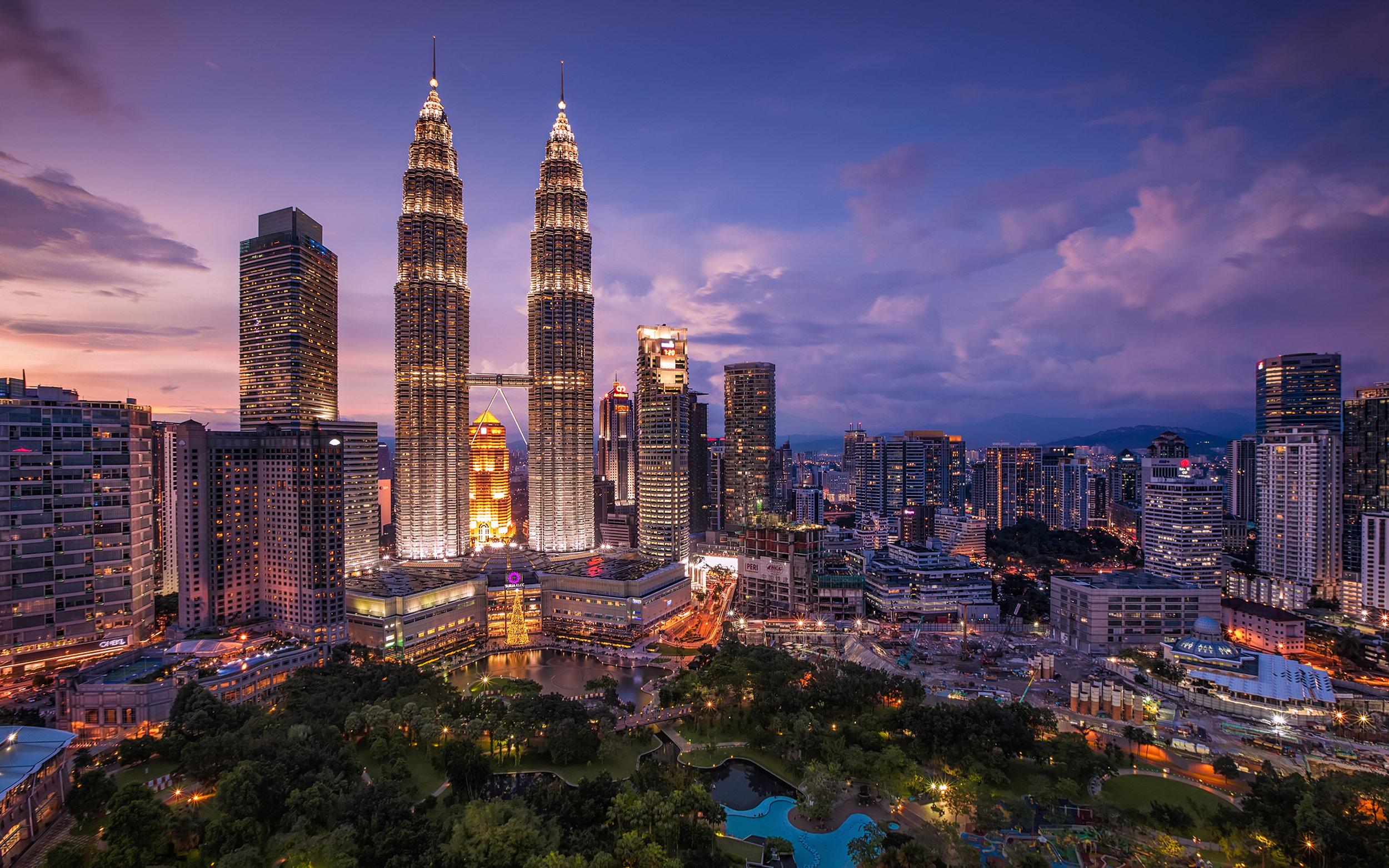 petronas-towers-kuala-lumpur-malaysia-wallpper-edit-by-yuriy-sklyar-2560-1600.jpg