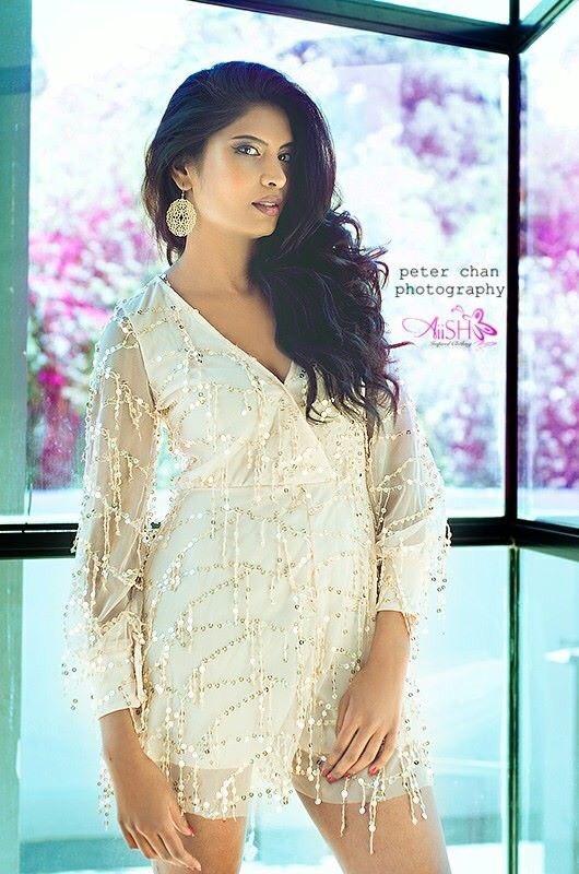 e84835243a21-gold_dress.jpg