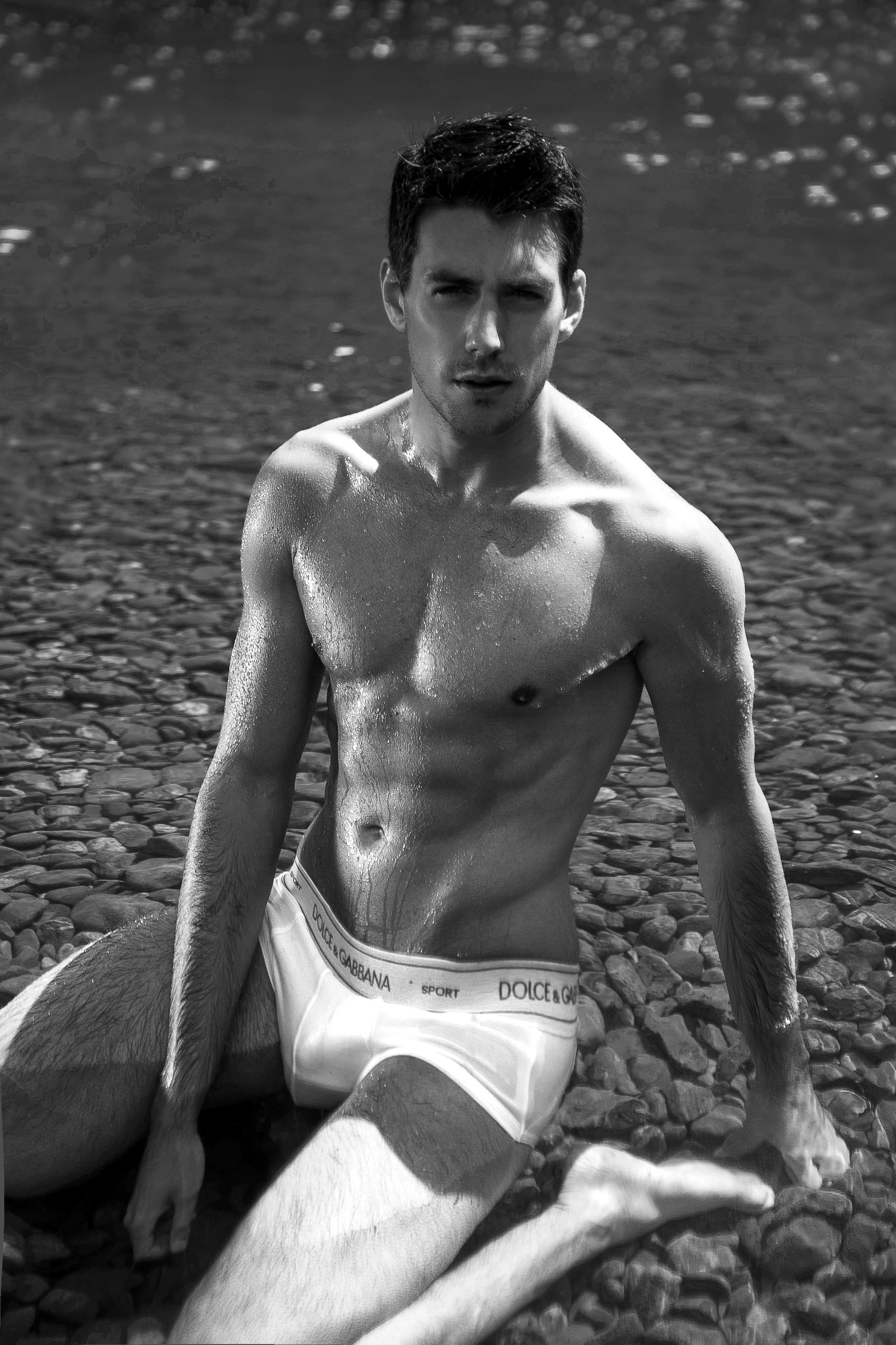 bbbd7f15add6-anthony_lorca_underwear_model_6.jpg