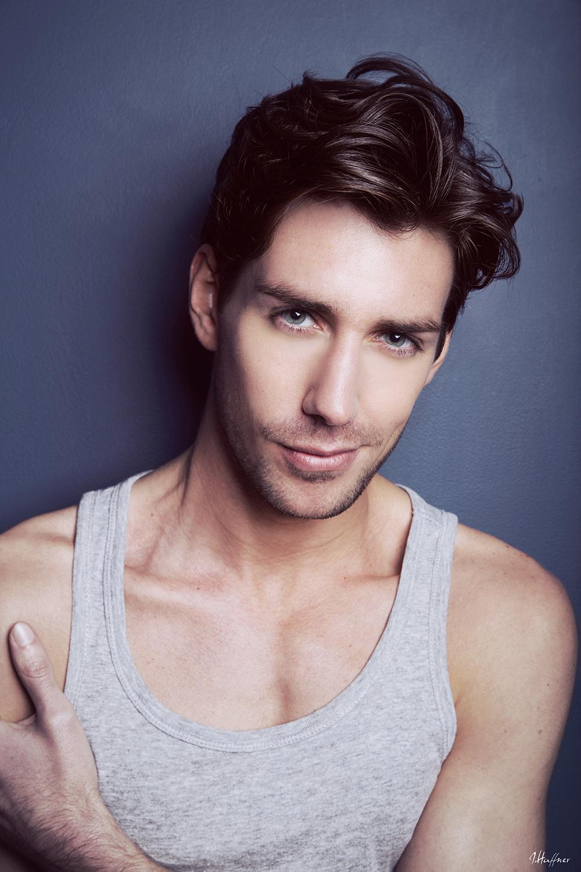 80d4bbd84491-anthony_lorca_model_actor_portrait_long_hair_1.jpg
