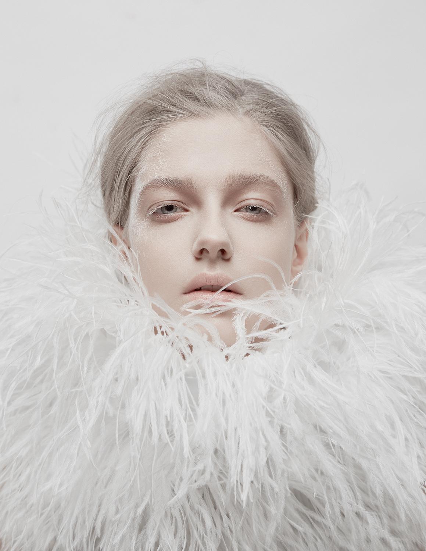 Model Citizen Magazine, Ilona Veresk31.jpg