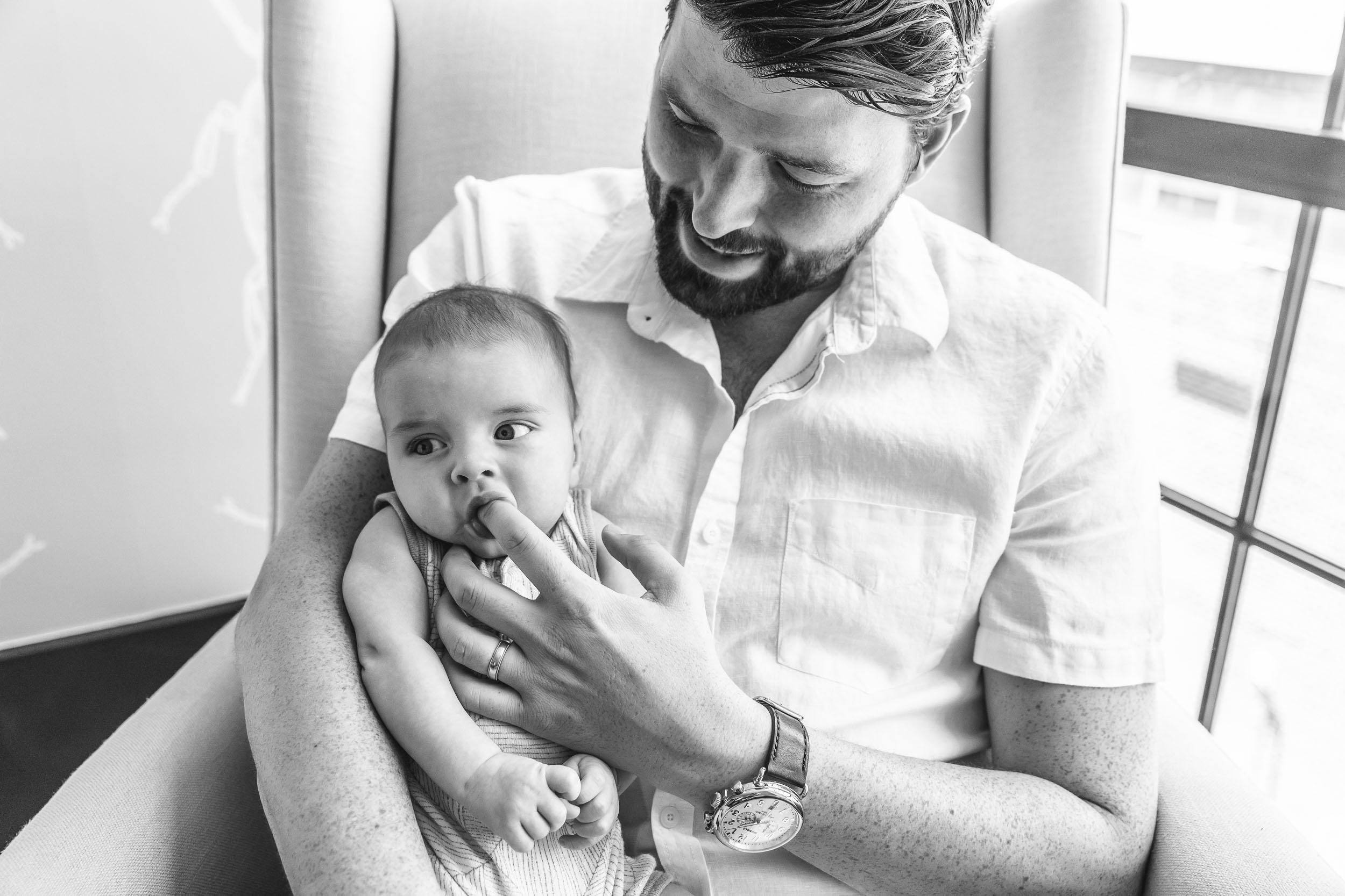 Dumbo_newborn_baby_lifestyle_photographer (19 of 19).jpg