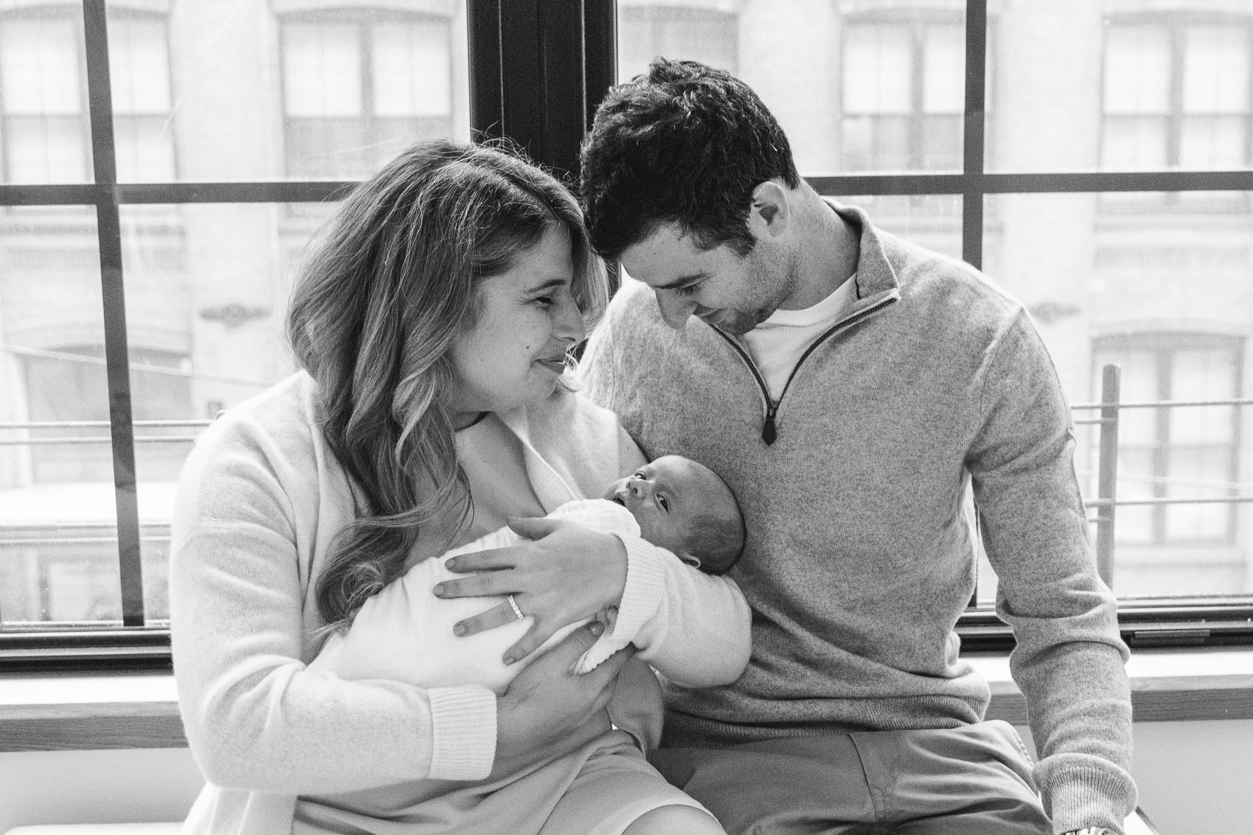 DUMBO_Brooklyn_newborn_baby_boy_portraits-25.jpg