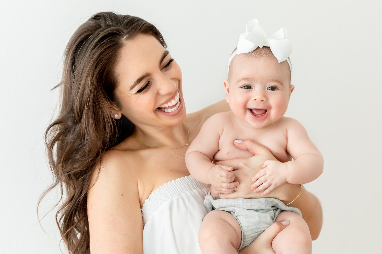 Carli_Motherhood_Session_NicoleHawkinsPhotography_UWS_2019_web-9.jpg