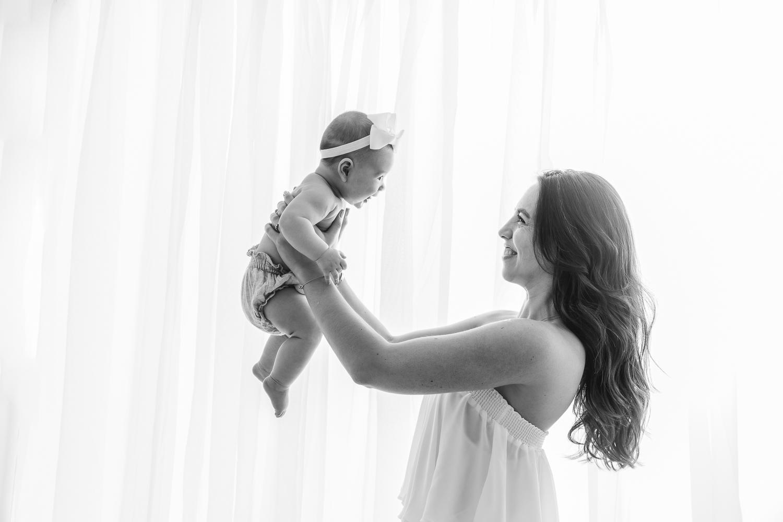 Carli_Motherhood_Session_NicoleHawkinsPhotography_UWS_2019_Web-12.jpg