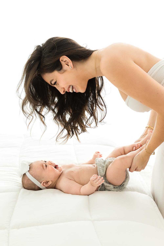 Carli_Motherhood_Session_NicoleHawkinsPhotography_UWS_2019_Web-5.jpg