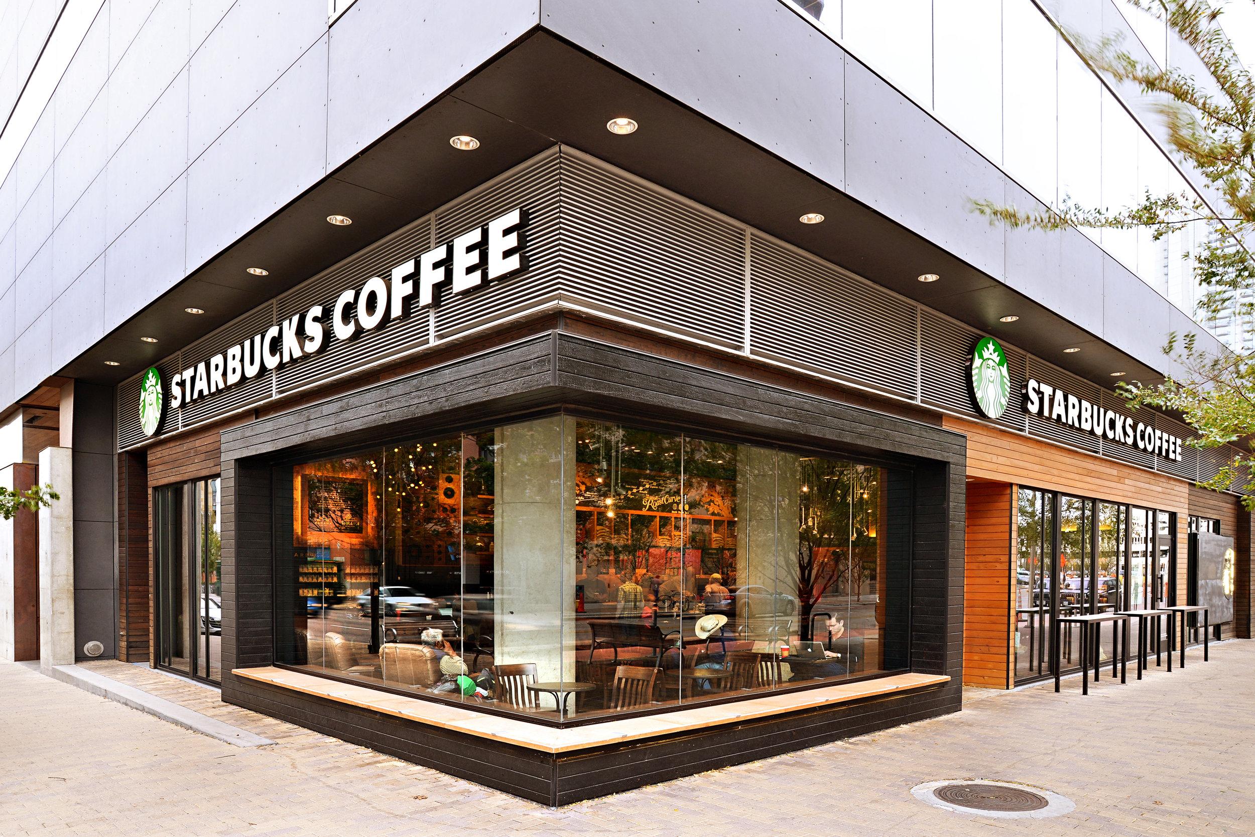 Starkbucks_W_Hotel_001.JPG