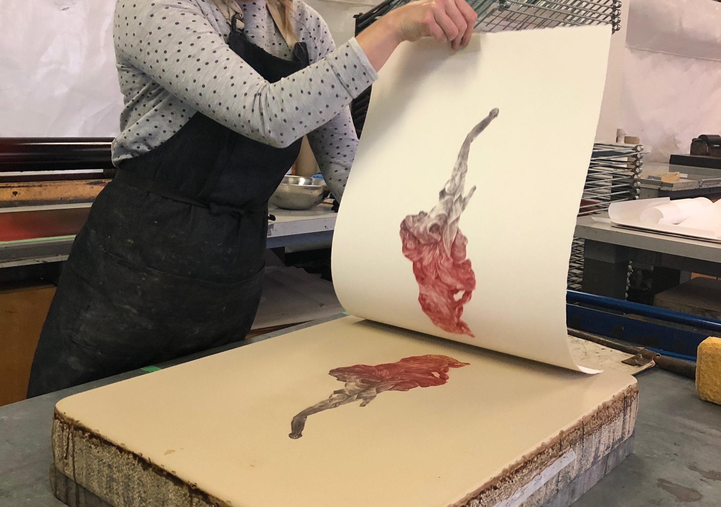 """Initiation à la """"Kitchen lithographie"""" - Samedi le 2 mars et dimanche le 3 mars 2019 de 13h à 16h avec l'artiste Julie BellavanceCet atelier consiste en un rapide essai d'une technique simple reposant sur les bases de la lithographie appelée la « Kitchen Lithographie ». Cette technique permet de produire une matrice et d'en imprimer plusieurs copies avec des produits et matériaux accessibles et sécuritaires. Réserver votre place au 819 758-9510 (places limitées)"""