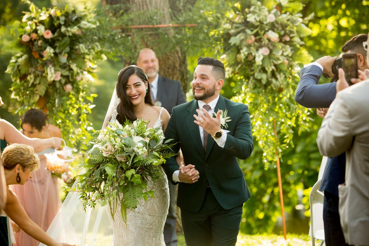 Barn-Hidden-Acres-Wedding-Photographer