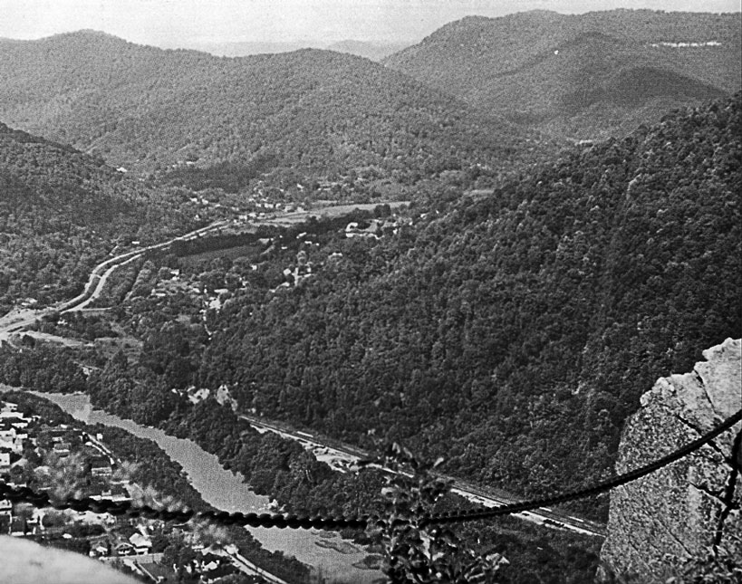 Bell County is located in the southeastern corner of Kentucky where the state meets Tennessee and Virginia. Its 361 square miles are dominated by two mountain ridges, Pine Mountain and Cumberland Mountain, and the fault which slices both of these, creating the Cumberland Gap and the Narrows.
