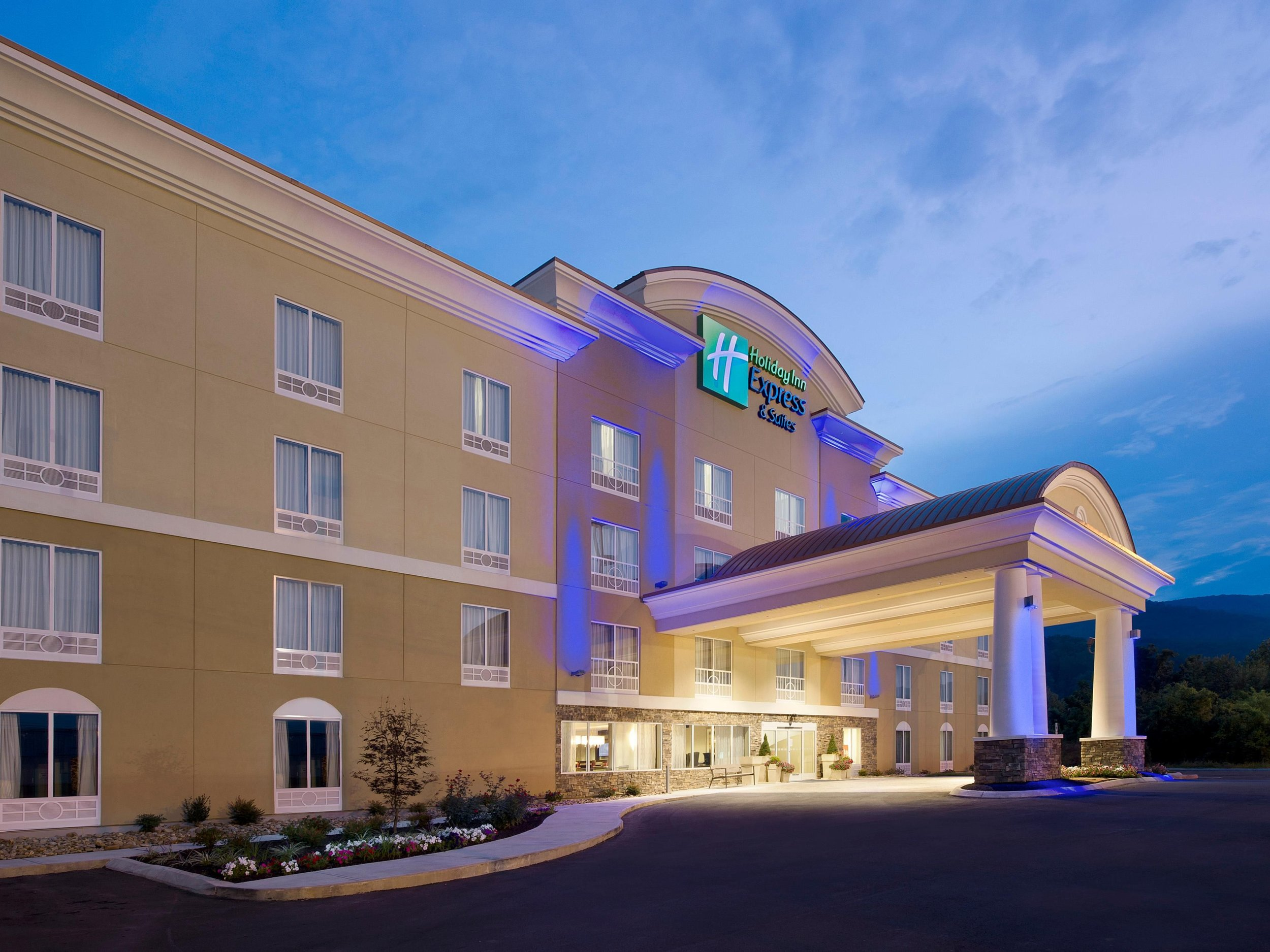 Holiday Inn Express, Caryville, TN