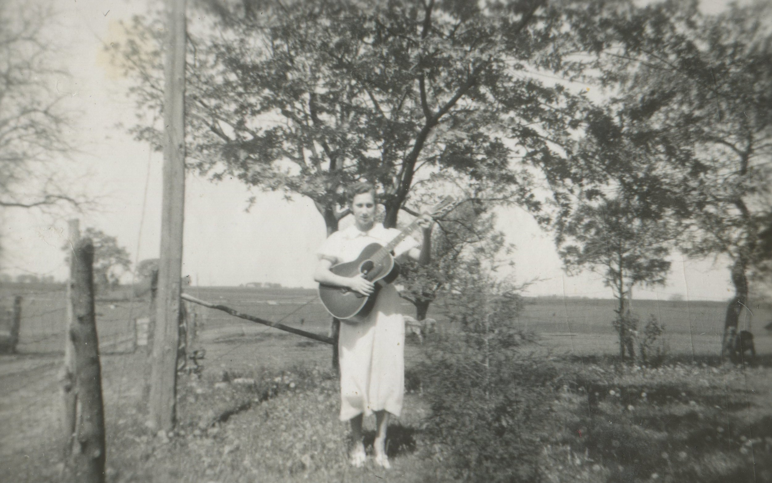 Aunt Verna with Guitar.jpg