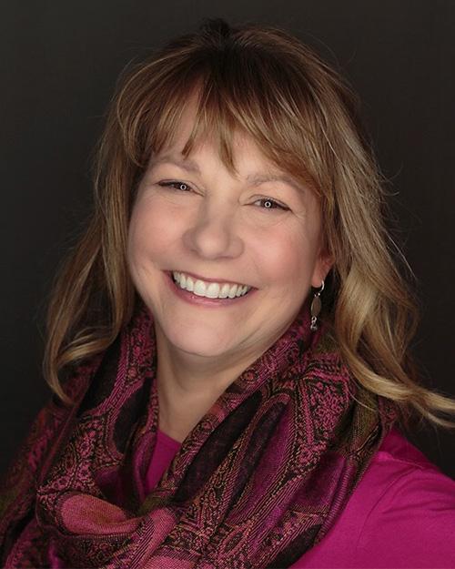 Lisa Johnson (Alum '82)  CFO, Petland Inc.