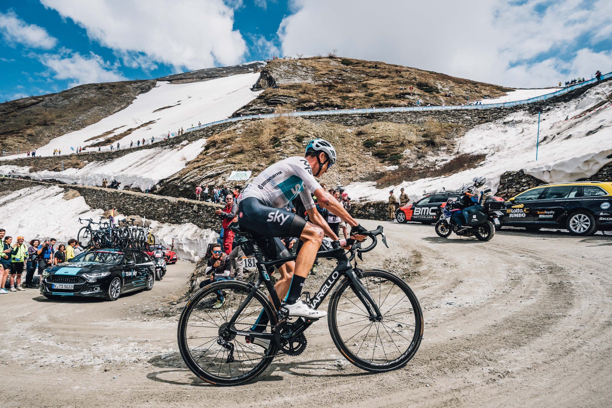 Froome, just three bends from the top of Finestre. Image used with special permission from  Russ Ellis Photography
