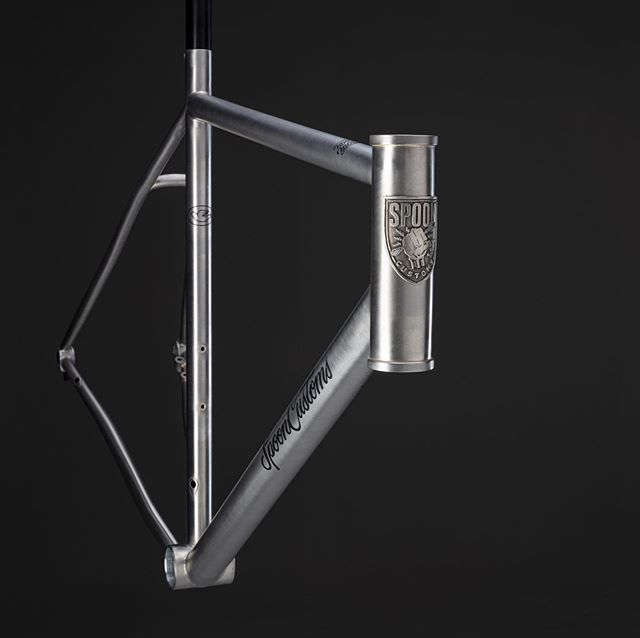 Bare satin XCR. For Di2 Disc. Joined with TIG and silver. Our lightest paint job yet. 📸 @simoneldon .