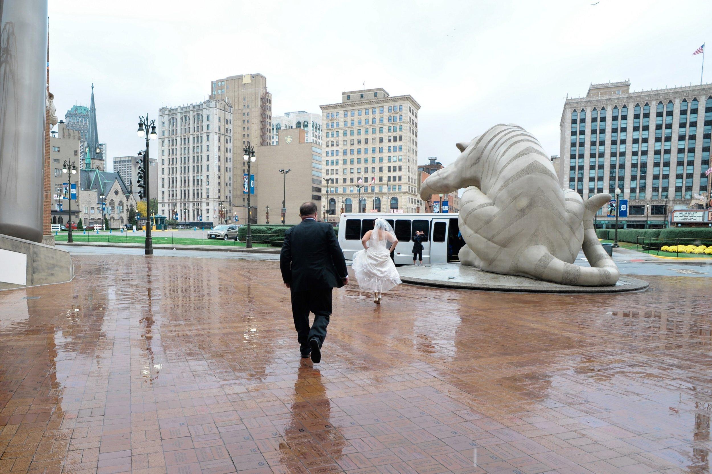 Downtown Detroit wedding.jpg