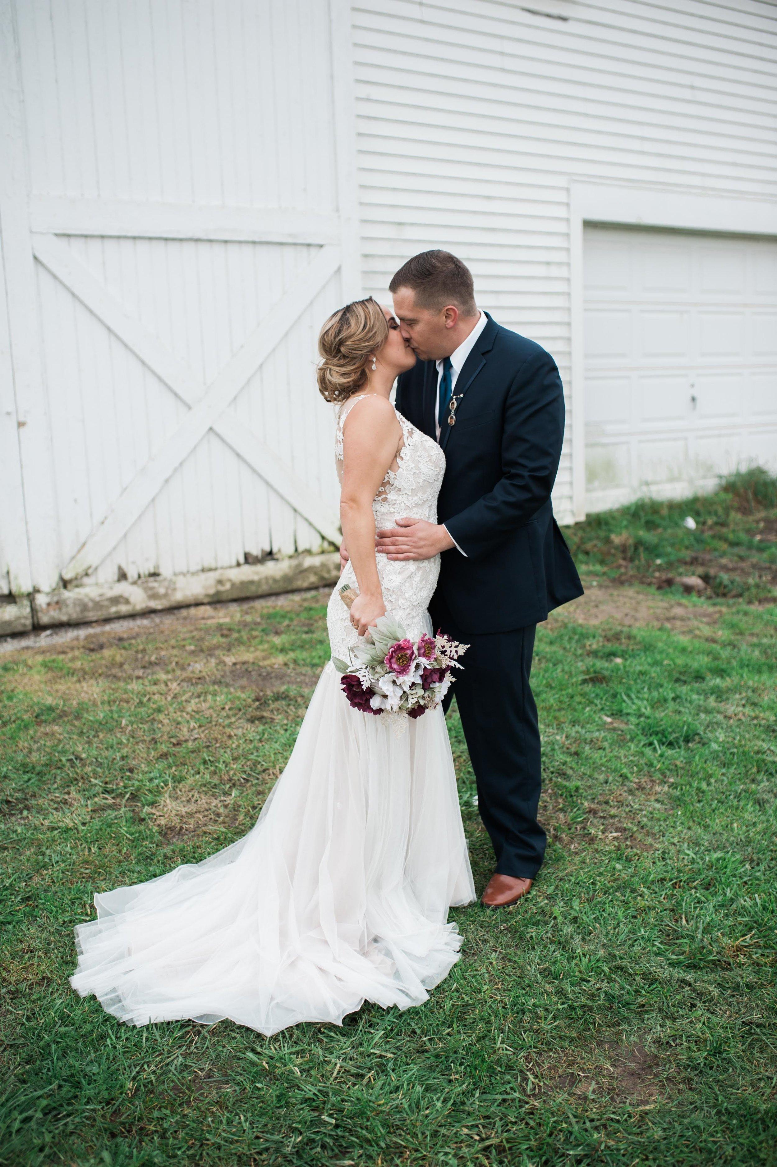 LLP Michigan Wedding Photographer 17.jpg