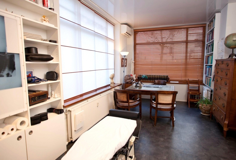 Groothoek beeld behandelkamer
