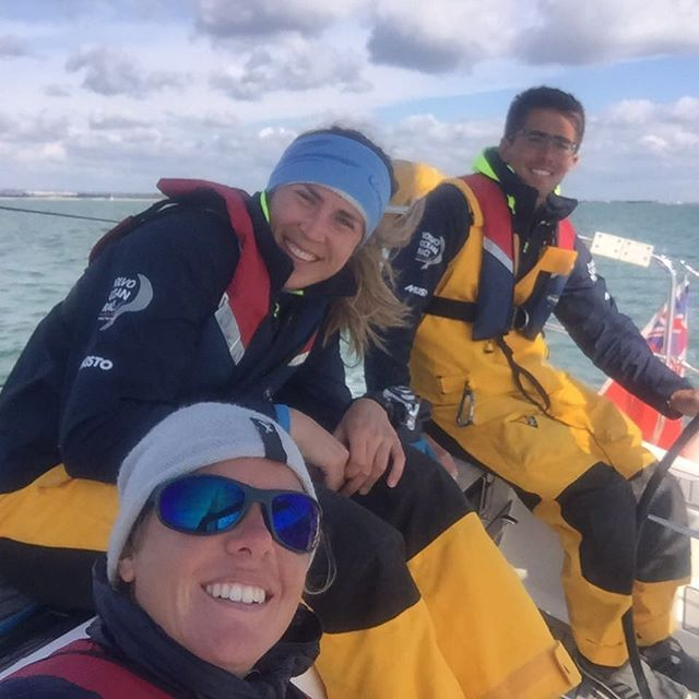 Learning how to sail good and do other things good too with @francescaclapcich and @bmon_sailing @turnthetideonplastic @uksasailing #areweyachtmastersyet #volvooceanraceprep