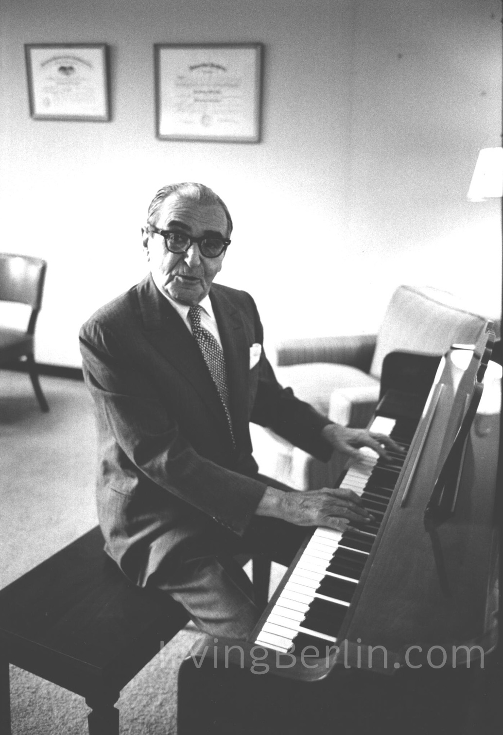 Irving-Berlin-piano-4.jpg