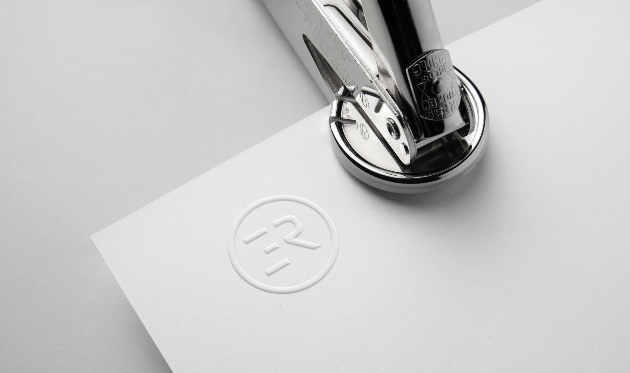 Logo-Mockup-WEB.jpg