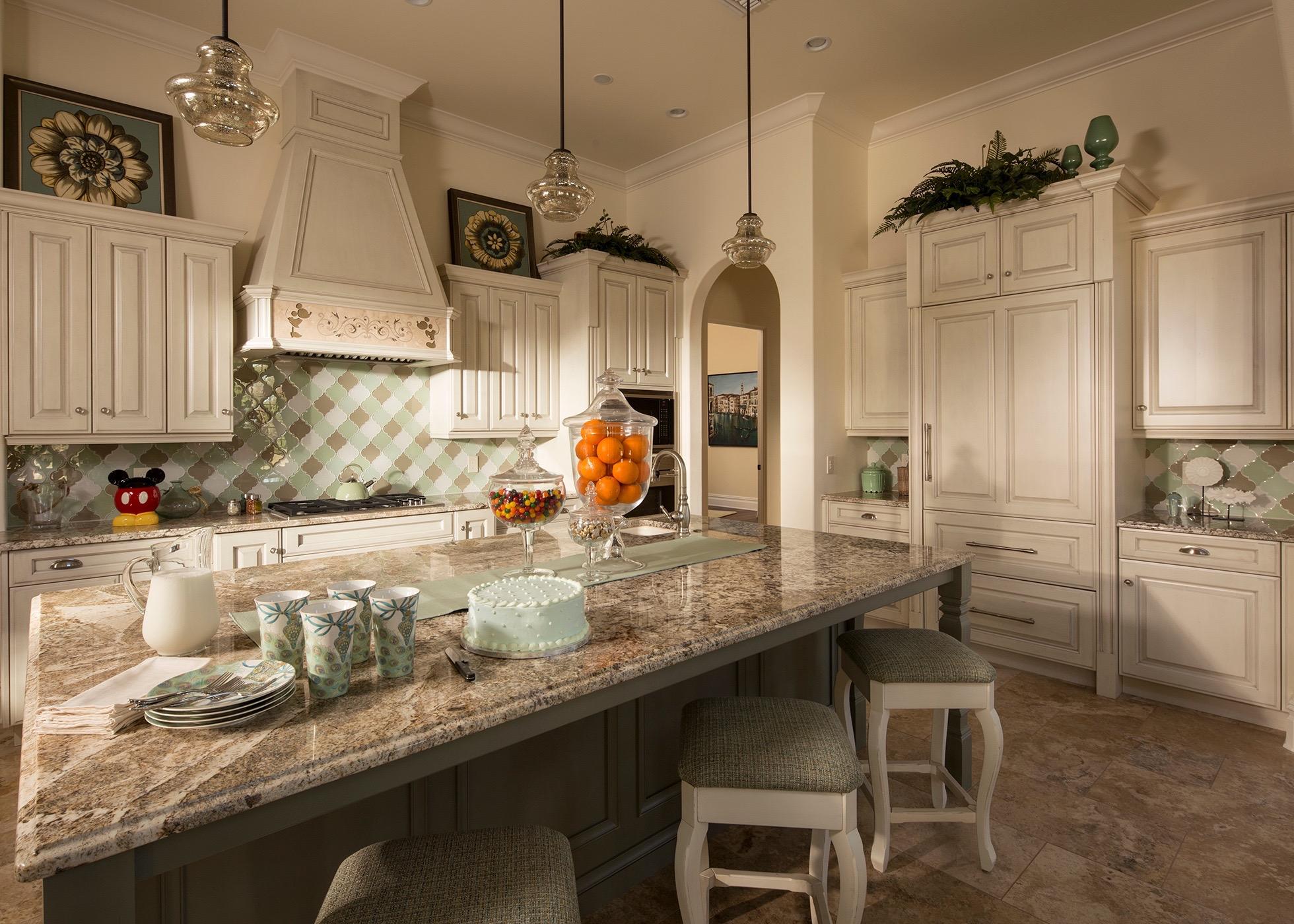 Lot 008 Kitchen 0121ZV_0623KP_med.jpg