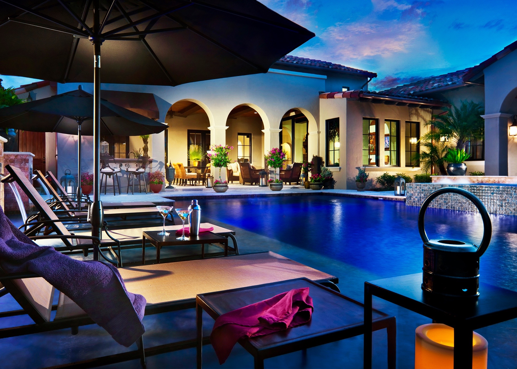 Pool - Night 4031-01 ©2011 Dan Forer_no glass_med.jpg