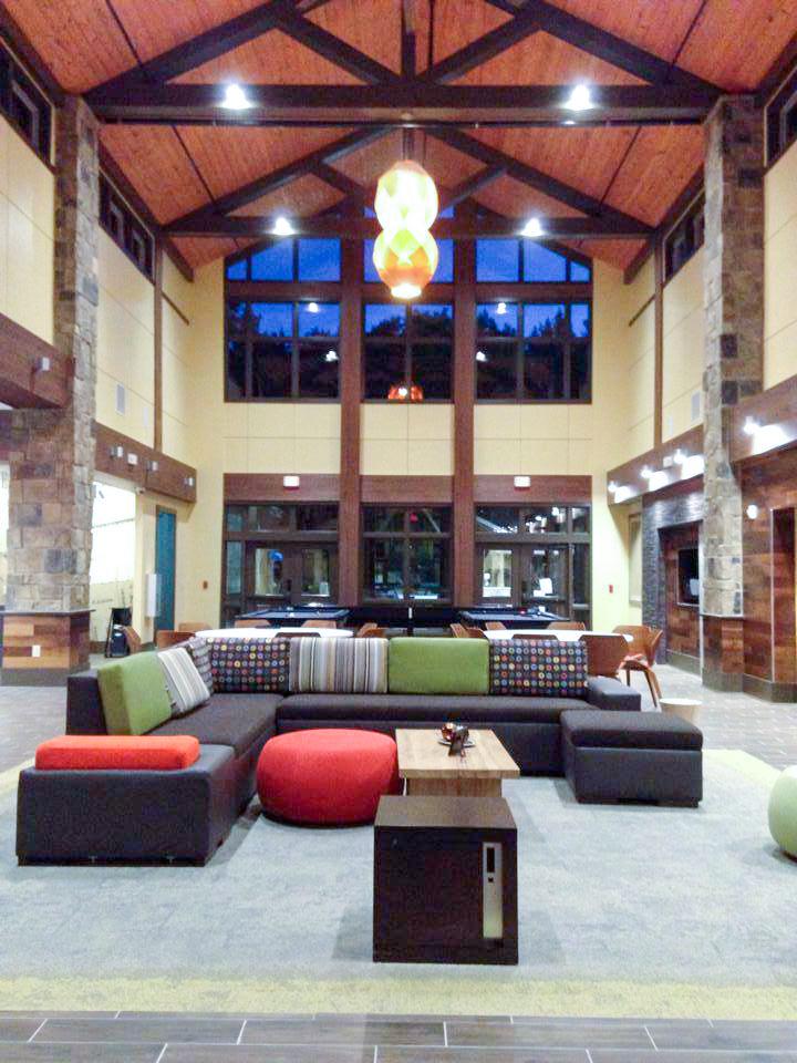 The Retreat at Newark, Student Living