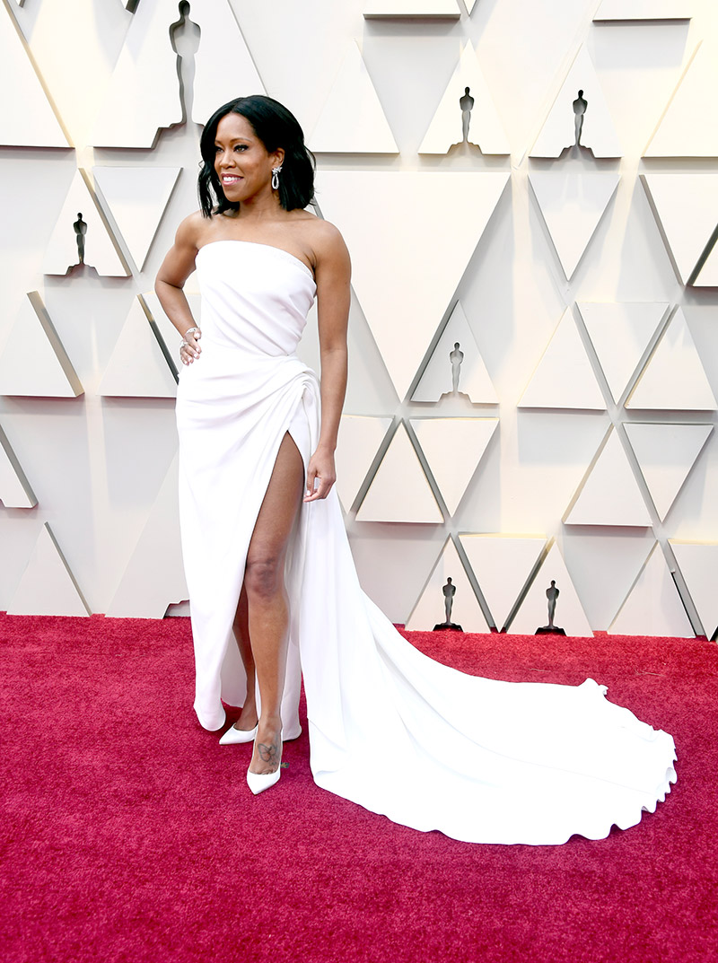 Regina King - in Oscar de la Renta and Chopard jewelry