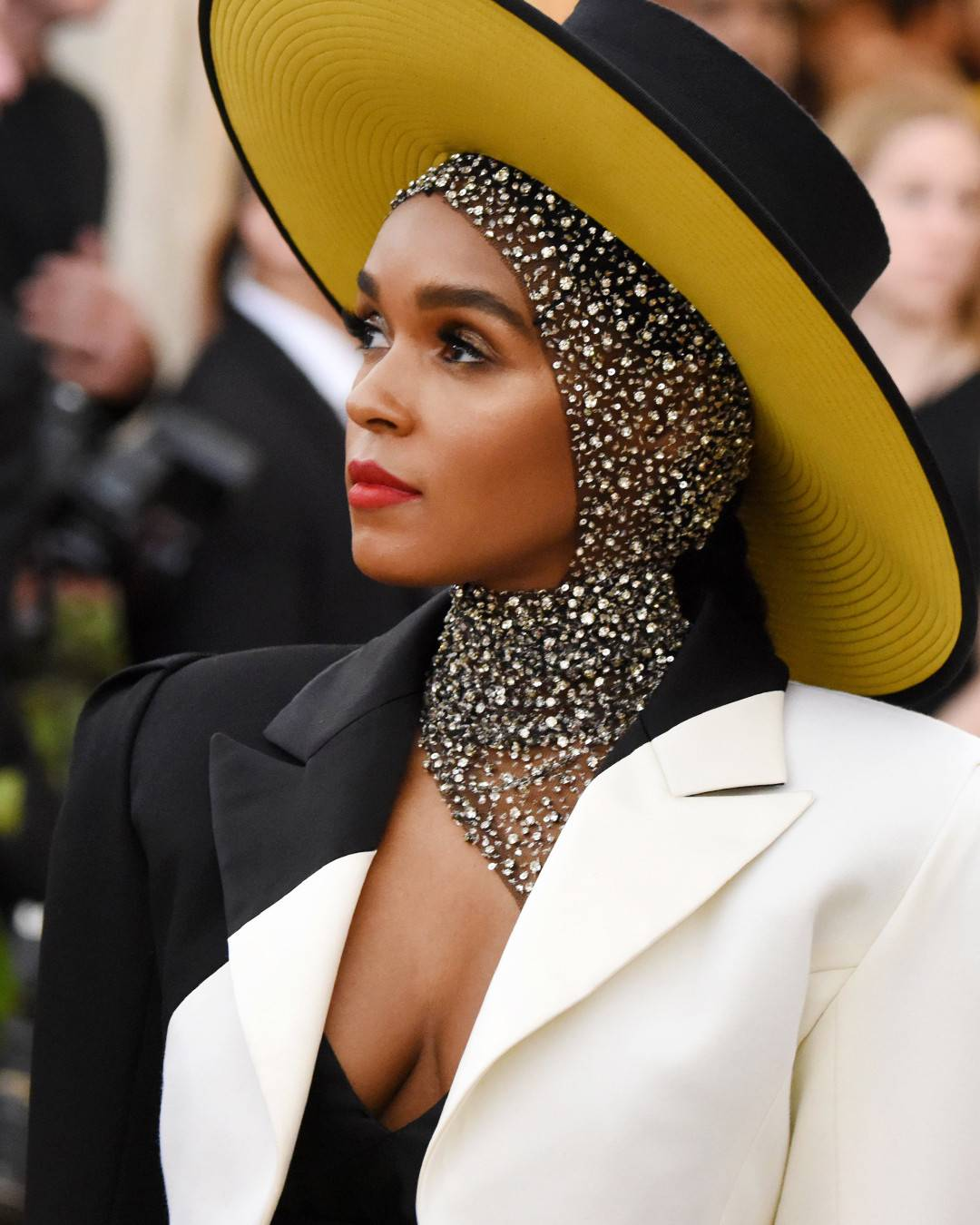 rs_1080x1350-180507205801-1080x1350-Best-Beauty-Met-Gala-2018-Janelle-Monae.jpg