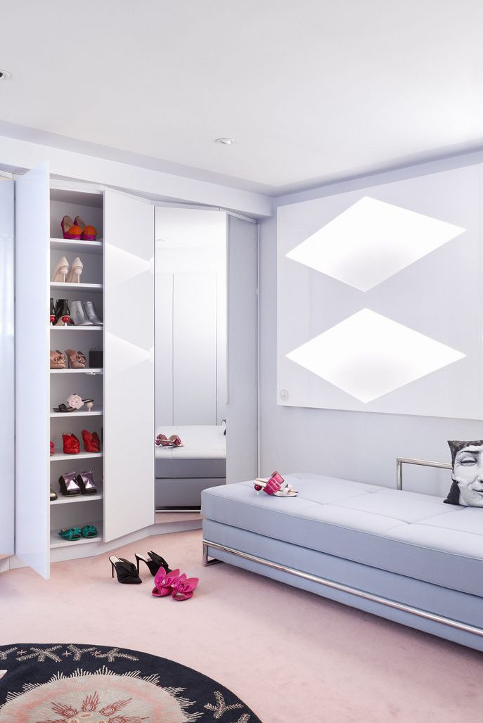 PURPLE MONOCHROMEshoe designer Minna Parikka's Helskinki home.jpg