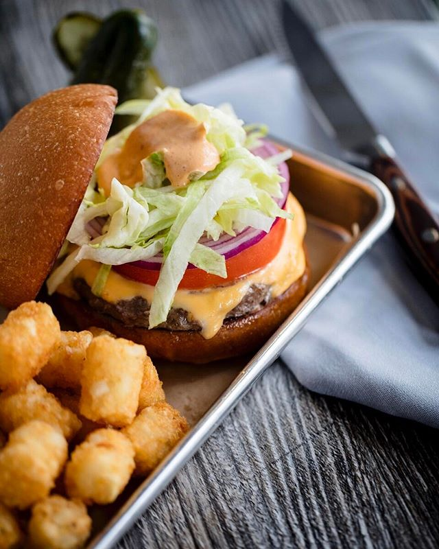 The Cheese Burger, American Cheese Lettuce, Tomato, Onion, Special Sauce, Tater Tots @thedouglasroom  #cheeseburger #classic #tatertots #thedouglasroom #thedouglasroom