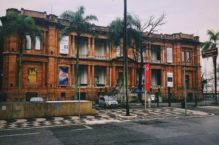 Com shows, oficinas, talk especial e uma série de projetos artesanais vamos levar o espírito leve da Rede Manual a um dos mais importantes museus do Brasil