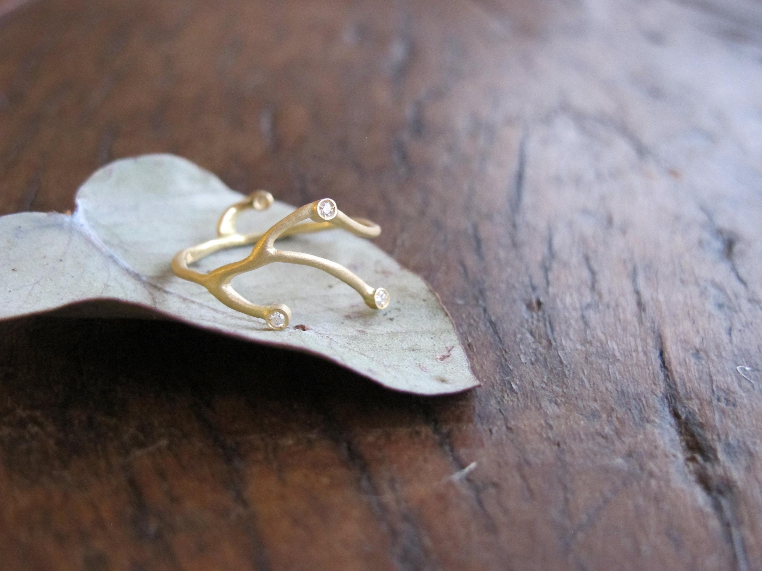 anel segredinho fabi malavazi ouro e diamantes .jpg