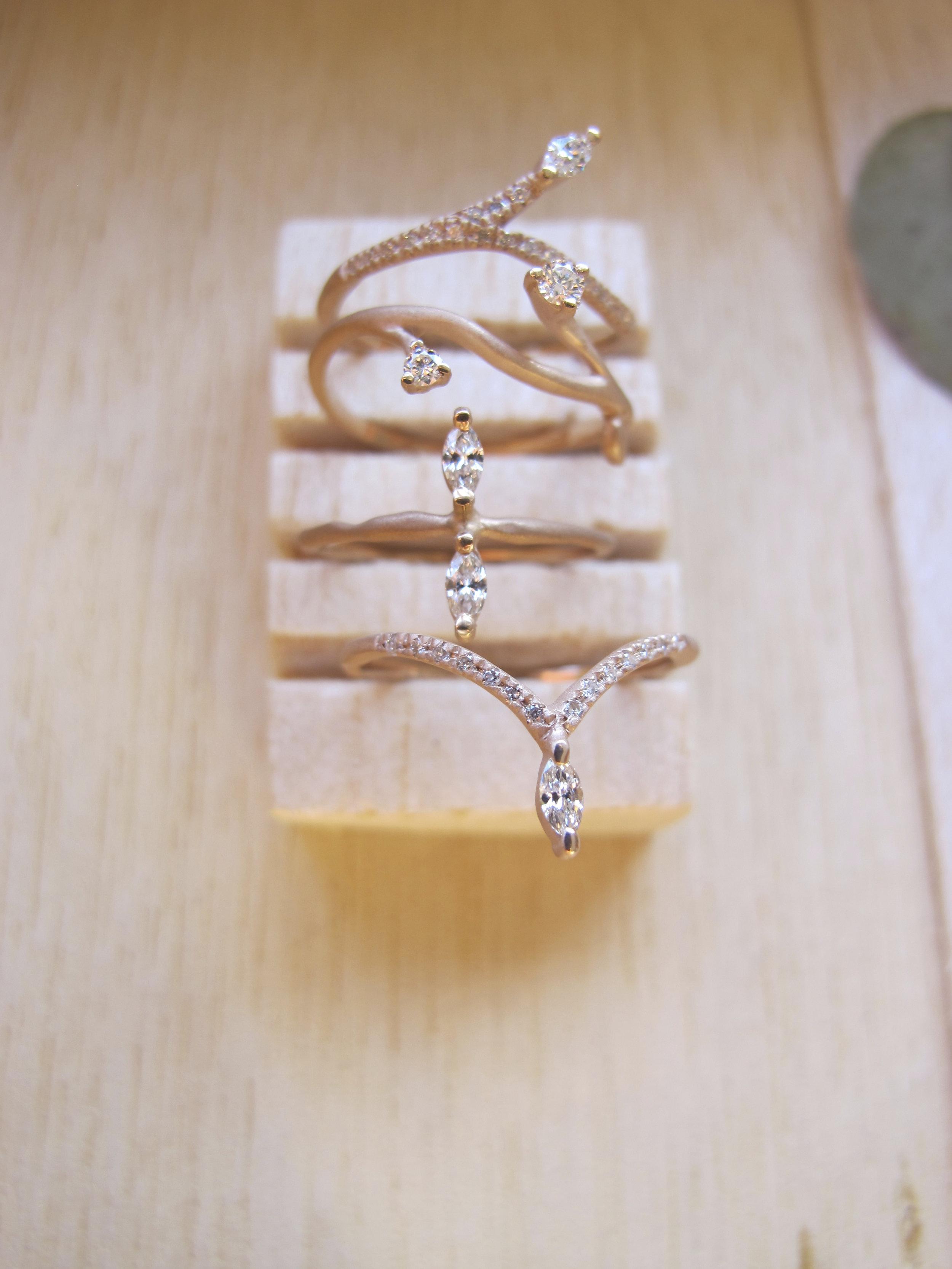 anéis sementes ouro e diamantes fabimalavazi .jpg