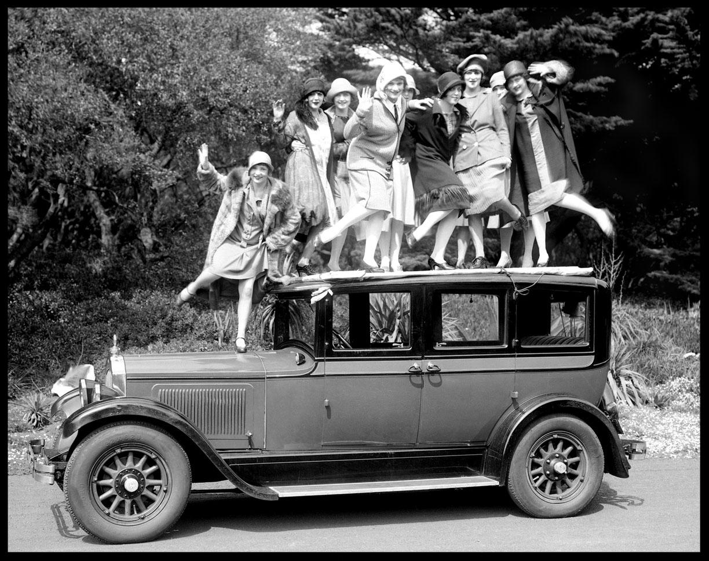 1926CHARLESTONGIRLSonWILLYSKNIGHTAUTOWebcopy.jpg
