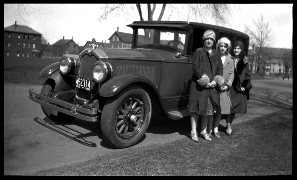 ThreeGirls&Car30Webcopy.jpg