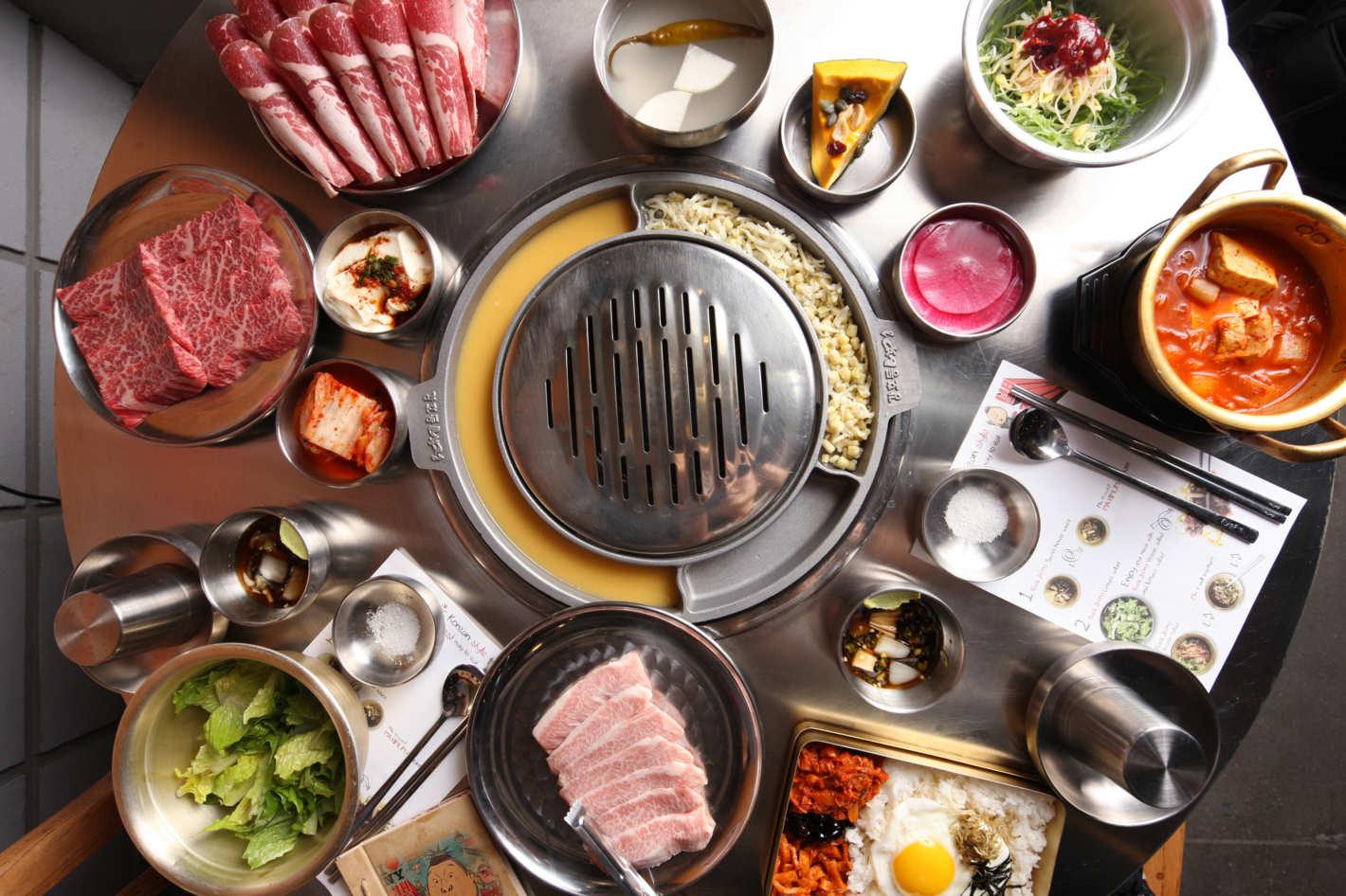 23-kang-ho-dong-baekjeong-011.w710.h473.2x.jpg