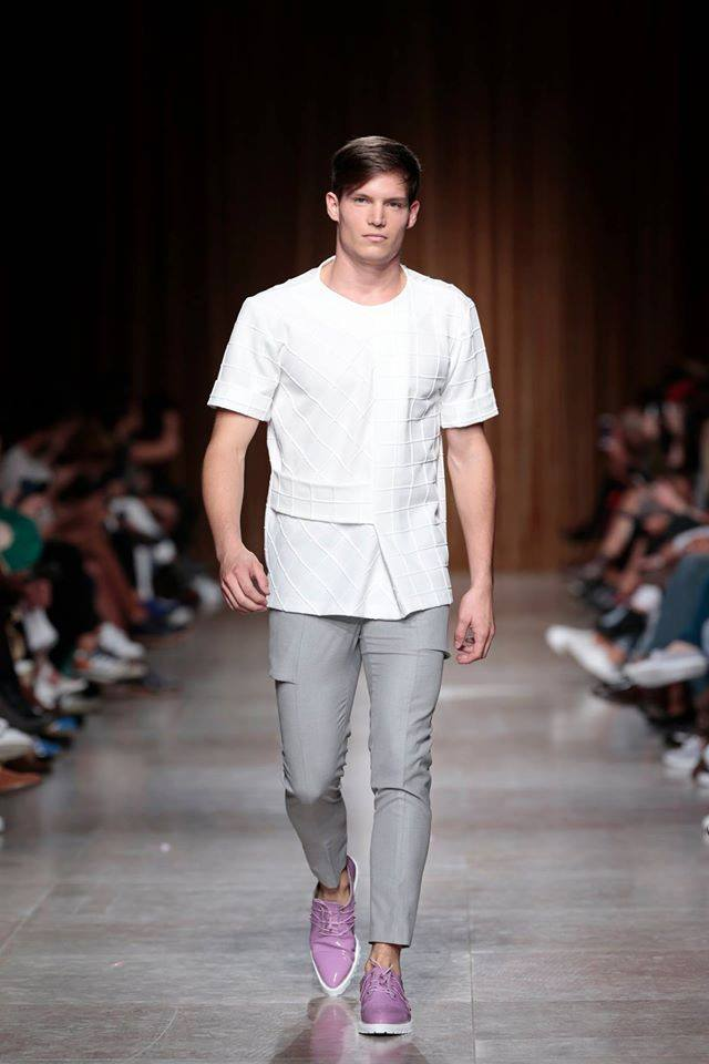 Grey Trousers with Side Pockets   One size available 38 Original Price 183€ | Discount Price 91€ Ref. LCSS16H12   *shoes are also available for sale