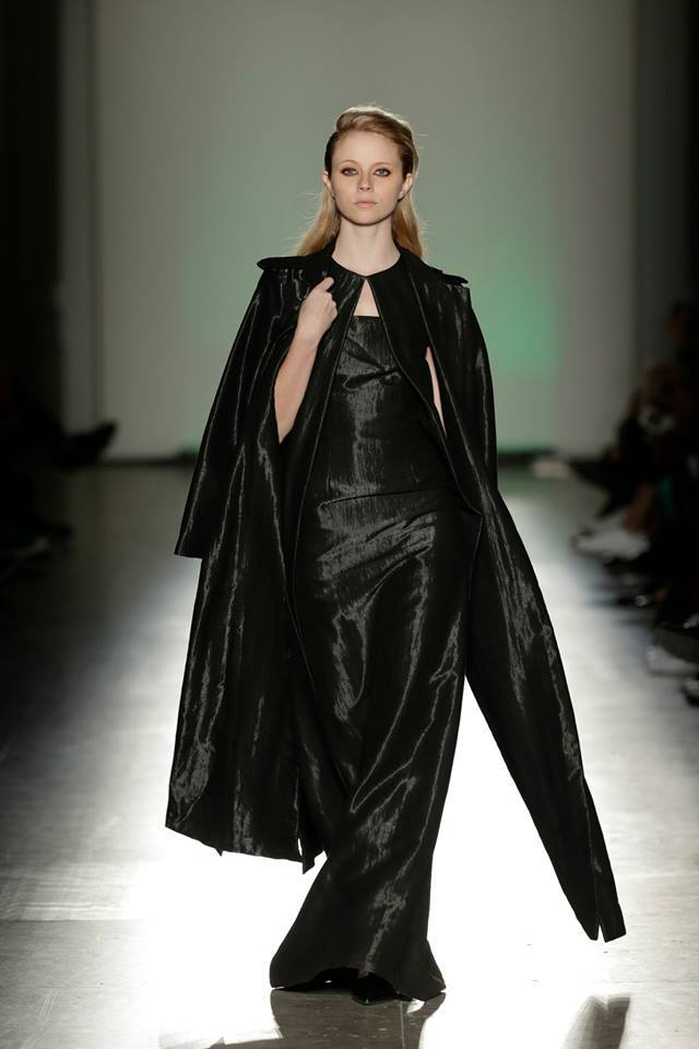 Black Long Shinny Coat   One available size 36. Original Price 312€ | Discount Price 156€ Ref. LCFW1505