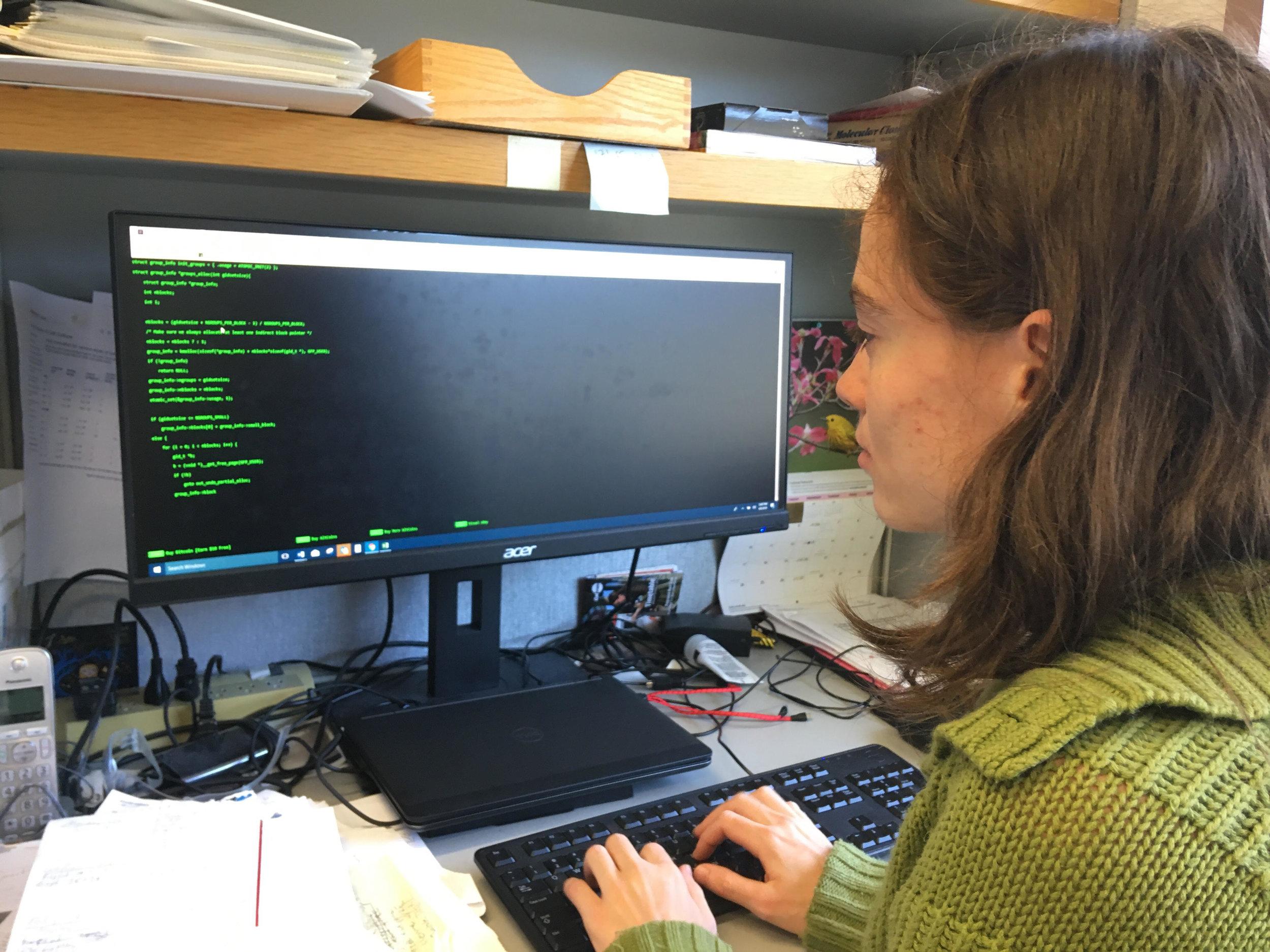 julia_focus_typing.jpg