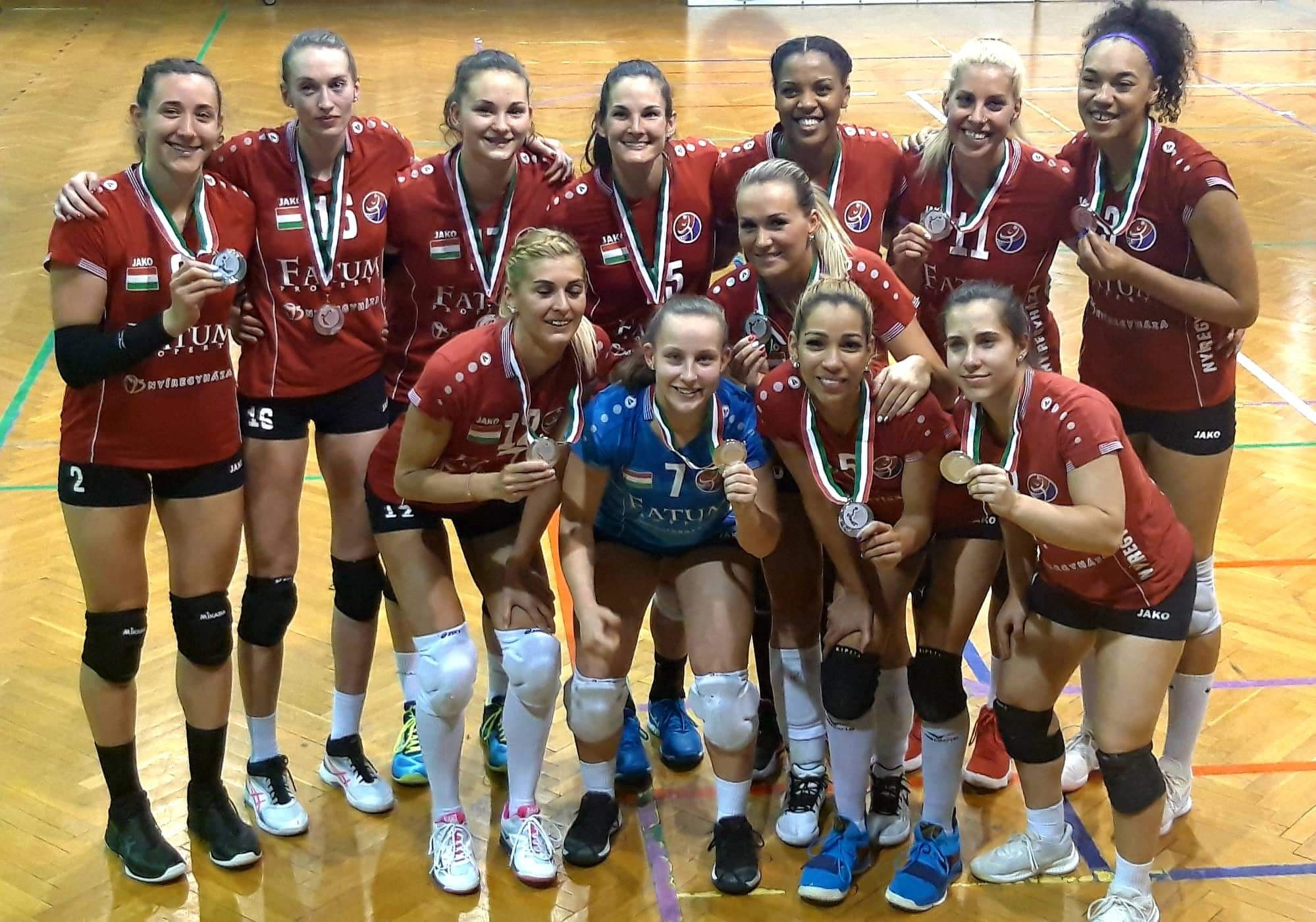 Nyiregyhaza Team Photo with their silver medals