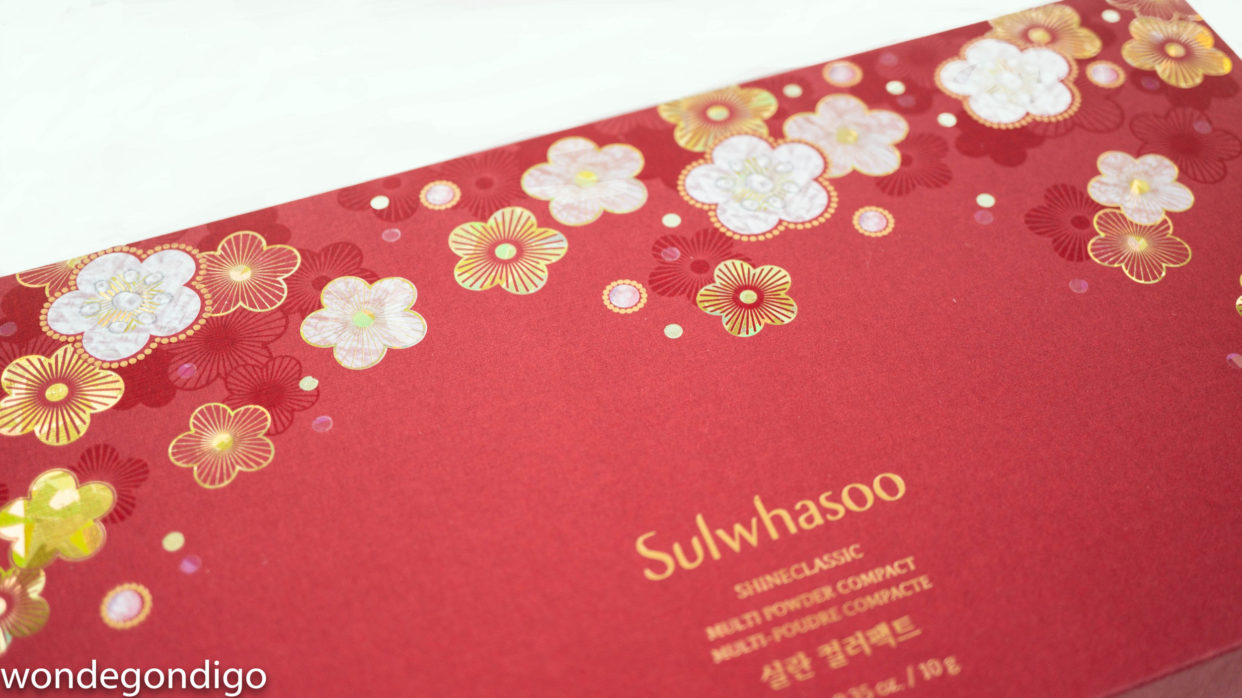 The floral motif reminiscent of traditional mother of pearl inlay