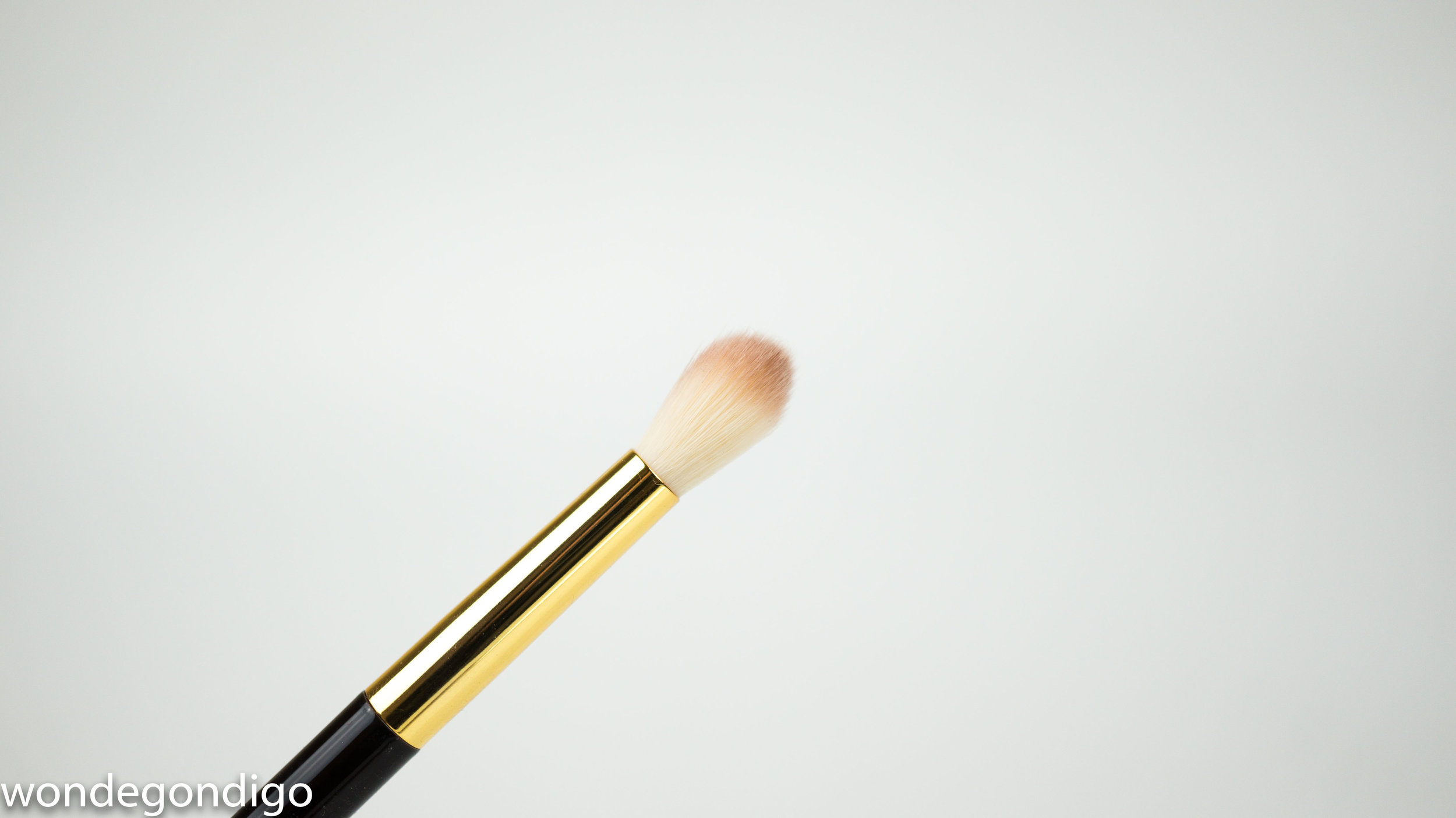 Tom Ford's 13 Eyeshadow Blend Brush in Synthetic