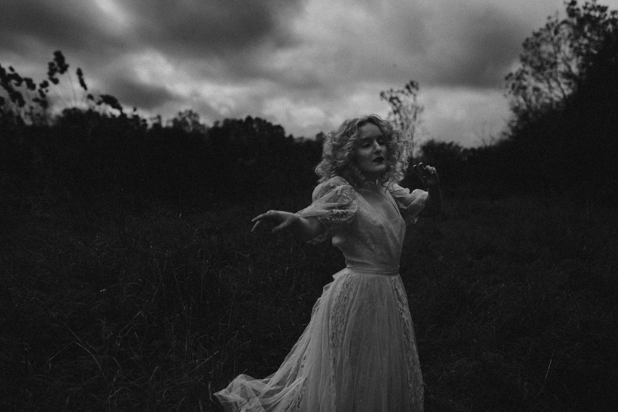 pale-witch-046fb.jpg