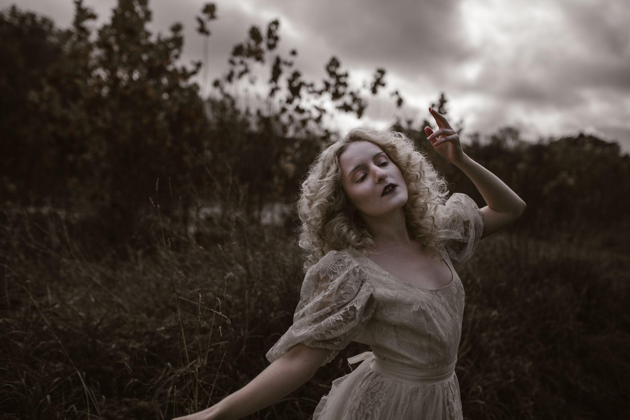 pale-witch-048fb.jpg