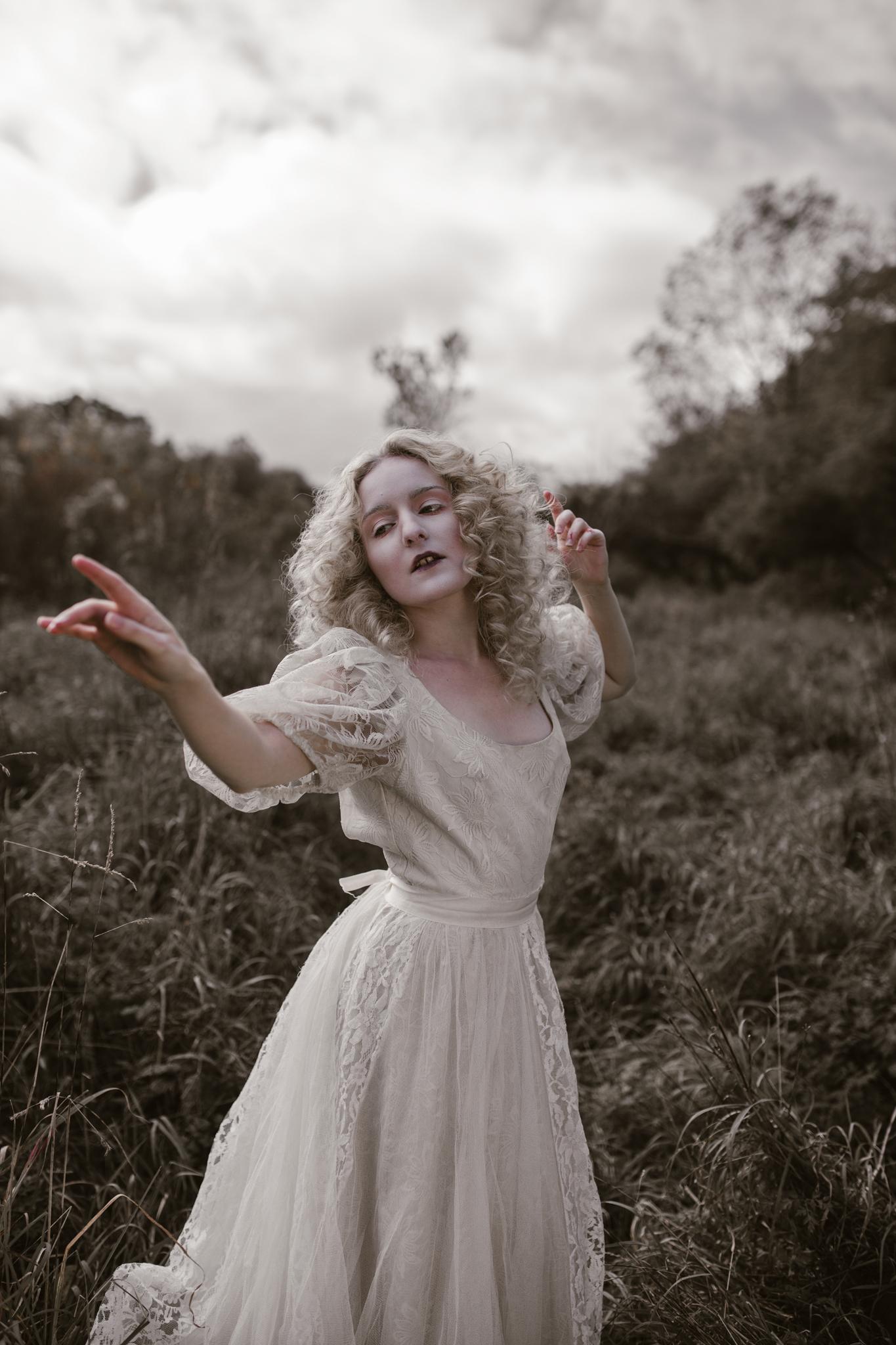 pale-witch-057fb.jpg