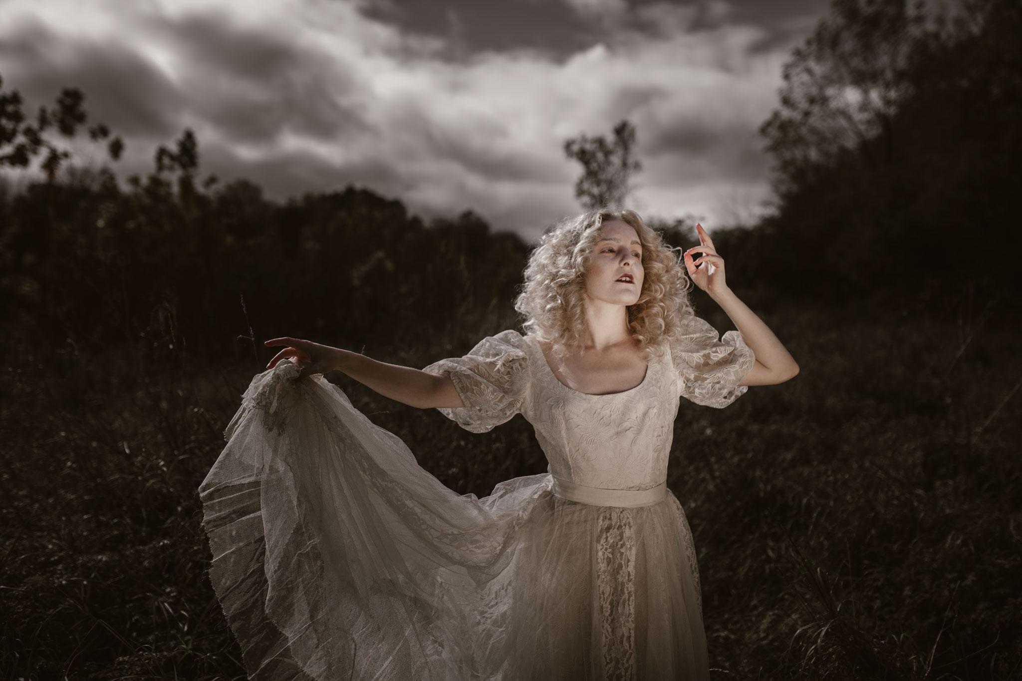 pale-witch-067fb.jpg